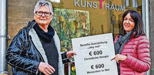Gabriele Münster zufrieden mit Ausstellung für wohltätige Zwecke
